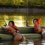 Ragazze in canoa
