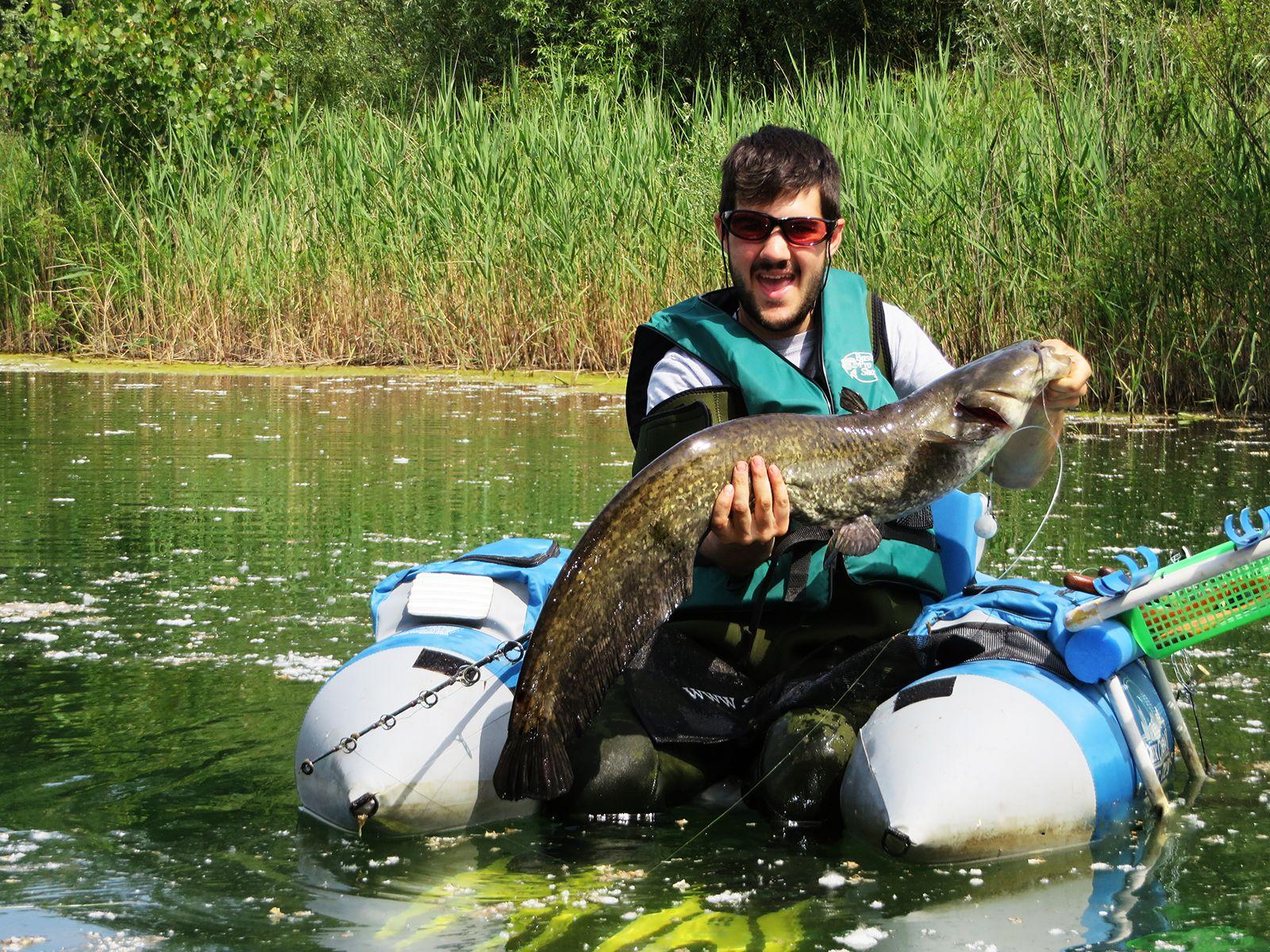 Siluri in belly boat si pu fare il blog della pesca for Belly boat fishing