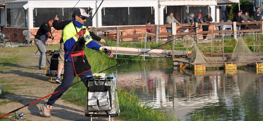 Pescatore Trota lago in azione